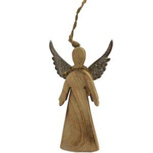 Drewniany anioł wiszący ze srebrnymi skrzydłami