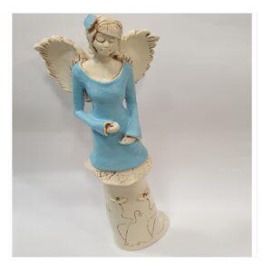 Anioł kobieta gipsowy z kwiatkiem we włosach
