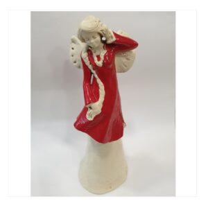 Anioł kobieta gipsowy w czerwonej sukience z warkoczem