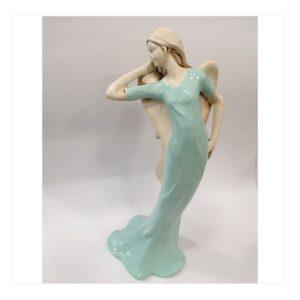 Anioł kobieta gipsowy, modelka w sukni seledynowej