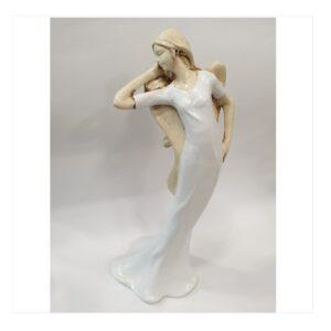 Anioł gipsowy kobieta modelka, w białej sukience