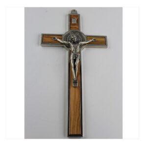 Krzyż benedyktyński w srebrnej ramie z drewnem